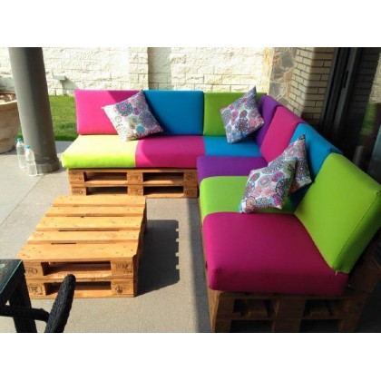 Multicolor garden palette corner Dimensions coin jardin 2m40/2m + table
